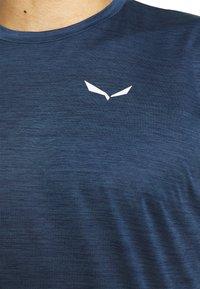 Salewa - PUEZ DRY TEE - Basic T-shirt - dark denim melange - 3