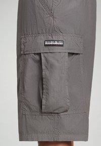 Napapijri - HANAKAPI - Shorts - grey gargoyle - 5