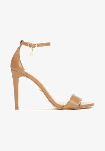 MEGAN  - Sandály na vysokém podpatku - brown