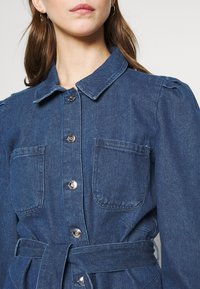 ONLY - ONLMELROSE JACKET YORK - Denim jacket - medium blue denim - 4