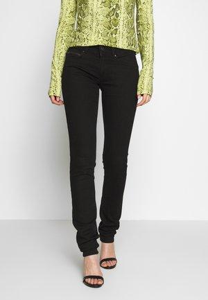 KATHA - Jeans slim fit - black denim