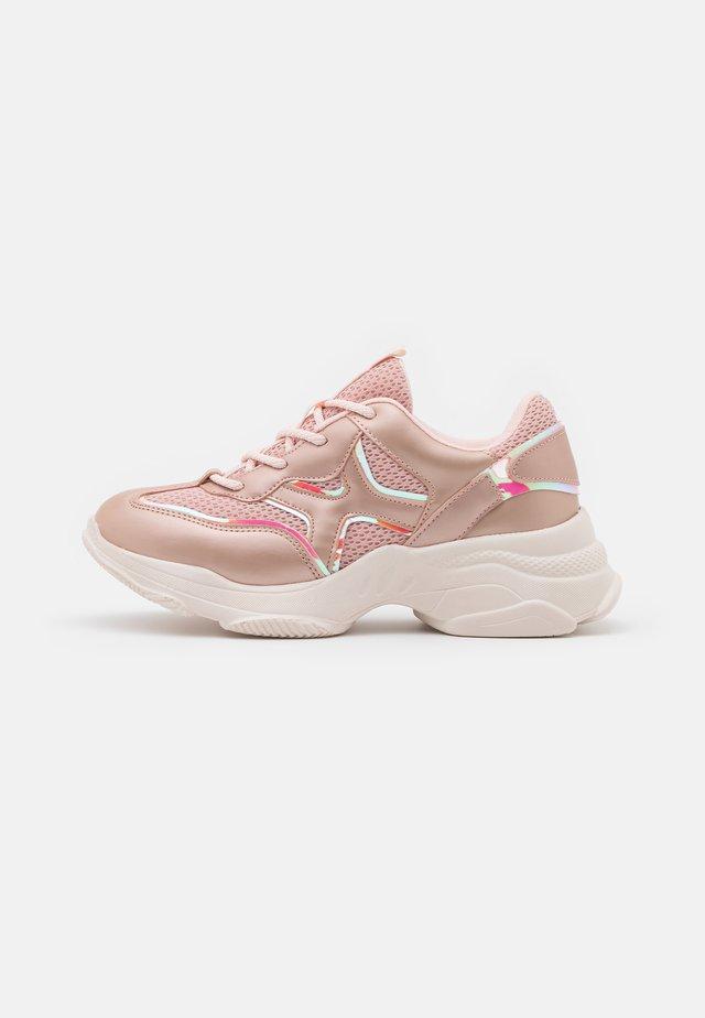 GRAM - Baskets basses - light pink