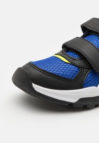 Reebok - XT SPRINTER UNISEX - Obuwie do biegania treningowe - blue/black/yellow - 5