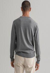 GANT - Stickad tröja - dark grey melange - 2