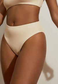 OYSHO - Bikini pezzo sotto - white - 4