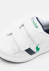 Polo Ralph Lauren - OAKVIEW UNISEX - Tenisky - white smooth/navy/green - 5