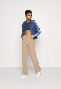adidas Originals - Veste polaire - crew blue - 1