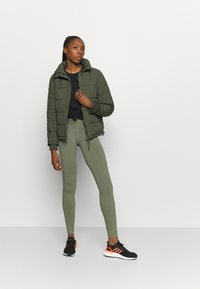 Cotton On Body - THE MOTHER PUFFER - Vinterjakker - khaki - 1