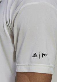 adidas Performance - TERREX PARLEY AGRAVIC TRAIL ALL-AROUND  - Basic T-shirt - white - 5