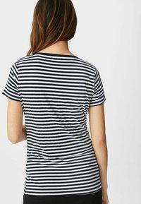 C&A - Print T-shirt - dark blue / white - 1