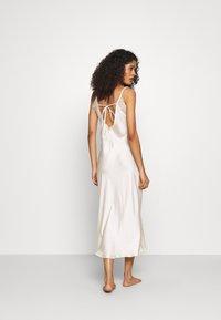 Marks & Spencer London - ROSIE BRIDAL CHEM - Noční košile - ivory - 2