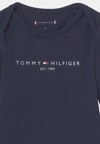 Tommy Hilfiger - BABY GIFTBOX 3 PACK UNISEX - Geboortegeschenk - blue - 3