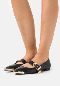 Versace Jeans Couture - Baleríny - black - 0