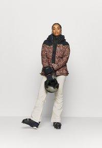 DC Shoes - DIVA JACKET - Snowboard jacket - leopard_fade - 1