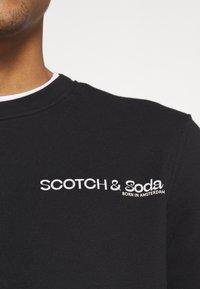 Scotch & Soda - CREW NECK LOGO - Collegepaita - black - 5