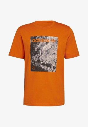 ADVENTURE T-SHIRT - T-shirt imprimé - orange