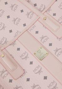 MCM - SHOPPER PROJECT VISETOS MEDIUM SET - Shopping bag - powder pink - 7