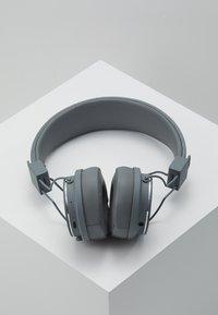 Urbanears - PLATTAN 2 BLUETOOTH - Headphones - dark grey - 2