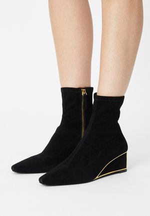 NAYA - Wedge Ankle Boots - black