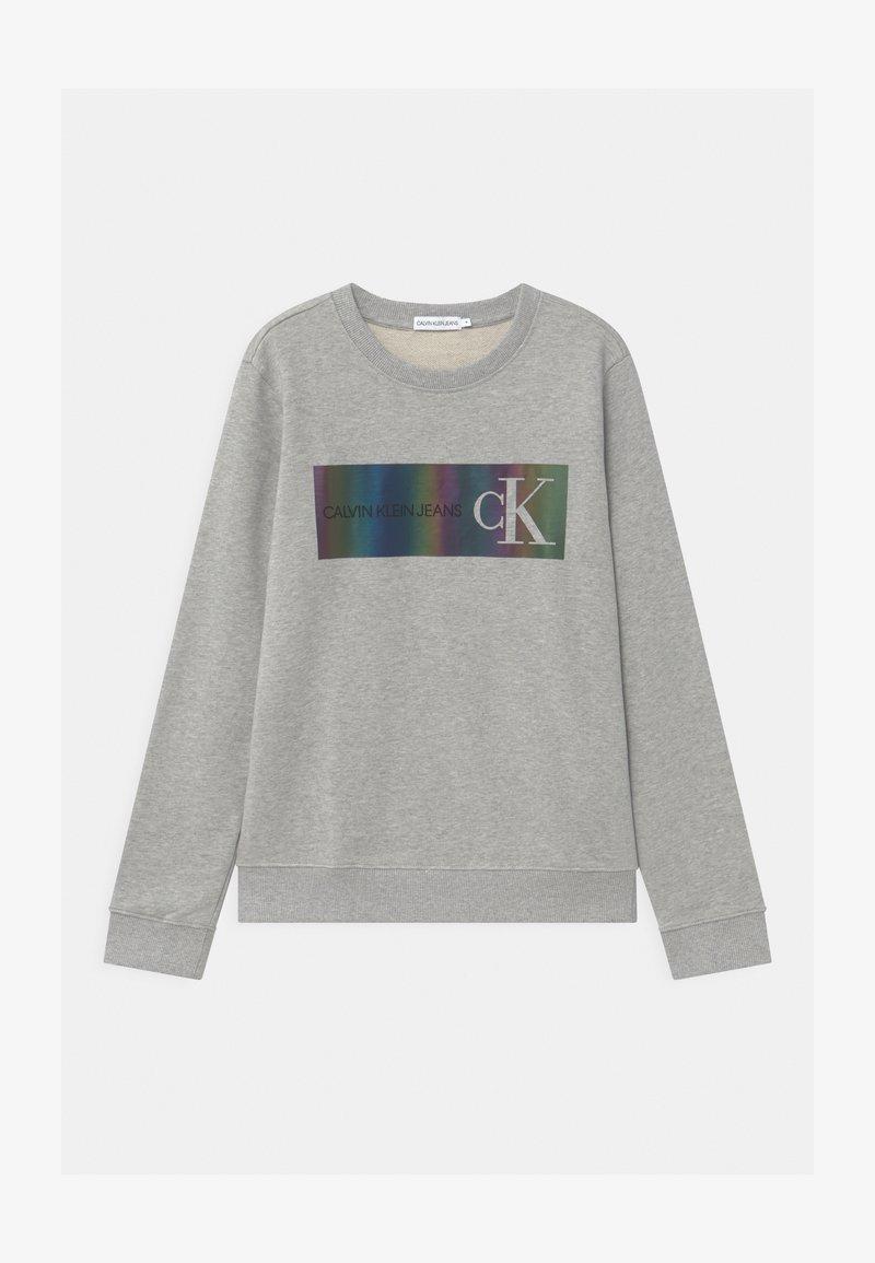 Calvin Klein Jeans - REFLECTIVE LOGO - Sweatshirts - grey