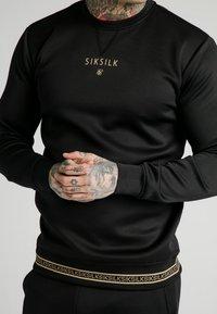 SIKSILK - ELEMENT CREW - Sweater - black/gold - 4