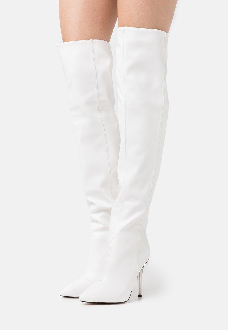 BEBO - DUKE - Boots med høye hæler - white