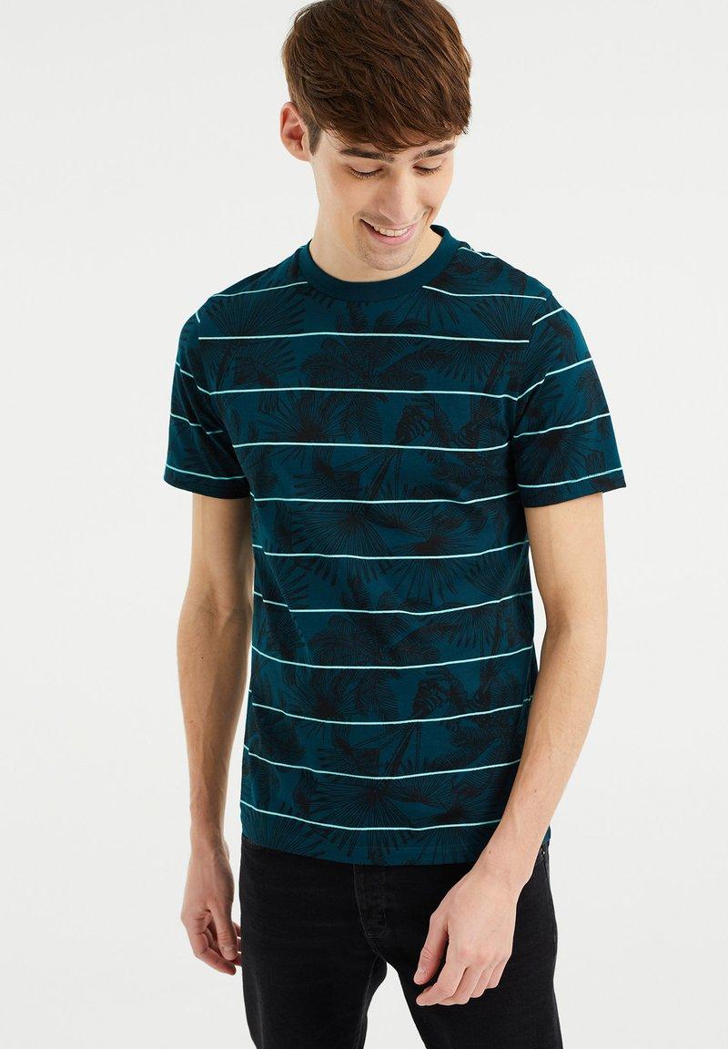 WE Fashion - Print T-shirt - greyish green