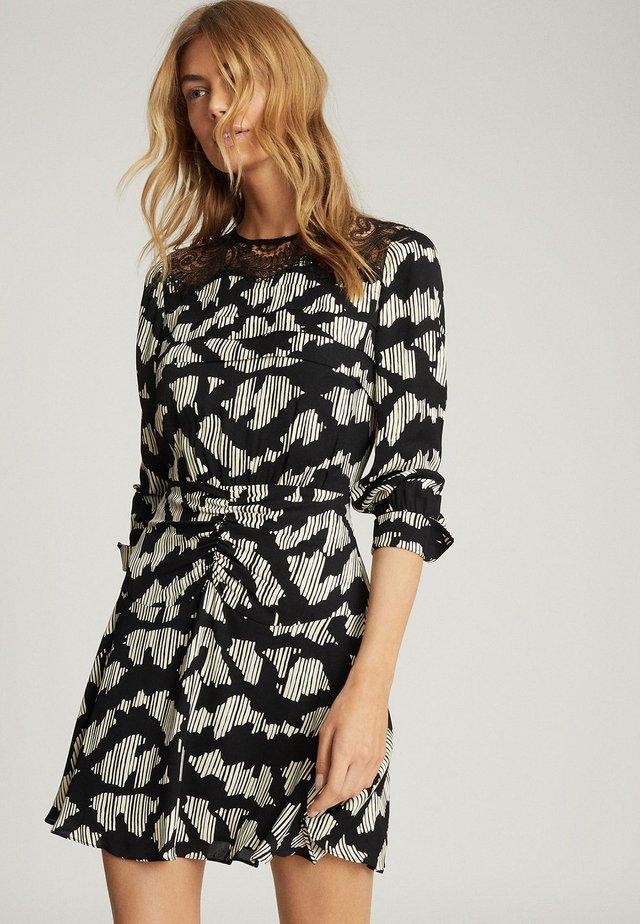 MIYA - Korte jurk - black