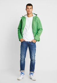K-Way - UNISEX CLAUDE ORESETTO - Light jacket - green - 1