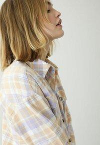 Pimkie - Button-down blouse - beige - 2
