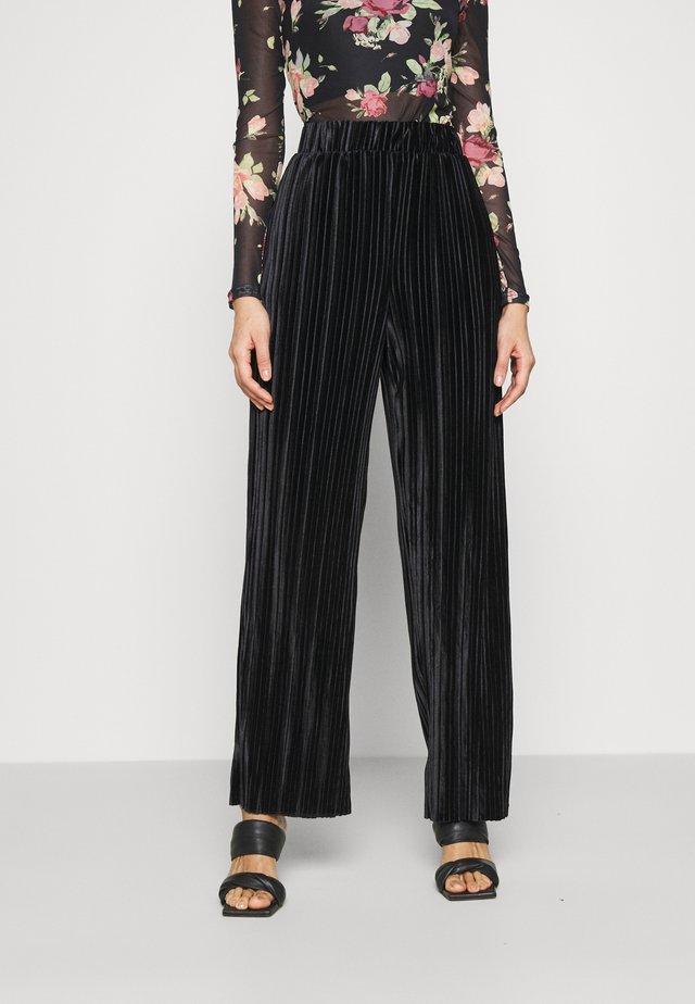 LOOSE PANT - Pantaloni - black