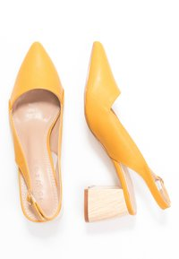 co wren - Classic heels - mustard - 3