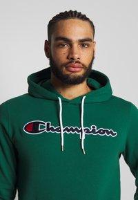 Champion - ROCHESTER HOODED - Bluza z kapturem - dark green - 3