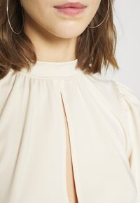 Nly by Nelly - KEYHOLE FRONT - Long sleeved top - champagne - 4