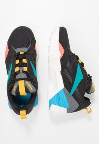 Reebok Classic - AZTREK DOUBLE POPS LIGHT CUSHION SHOES - Tenisky - black/alloy/teal - 3