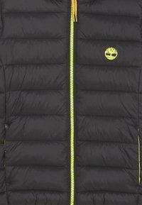 Timberland - PUFFER JACKET - Lehká bunda - black - 2