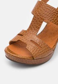 Chie Mihara - EDA - Platform sandals - nilo ocre - 6