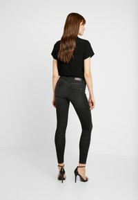 ONLY - ONLSHAPE DELUXE - Jeans Skinny Fit - black - 2