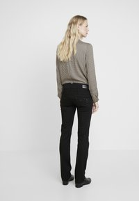 Freeman T. Porter - AMELIE - Jeans slim fit - stay dark - 3