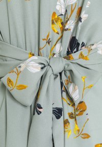 Vero Moda - VMHALLIE LONG TIE DRESS - Skjortekjole - green milieu - 2