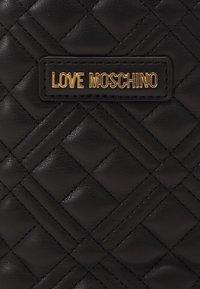 Love Moschino - QUILTED SOFT - Handbag - nero - 6