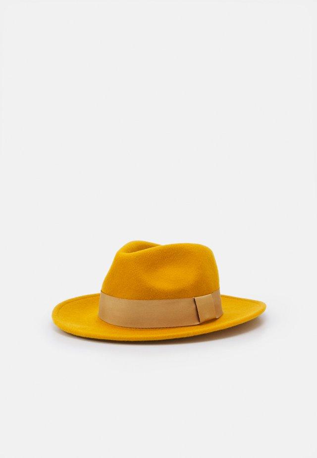 Hoed - mustard