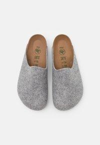 Birkenstock - AMSTERDAM VEGAN UNISEX - Slippers - light gray - 3