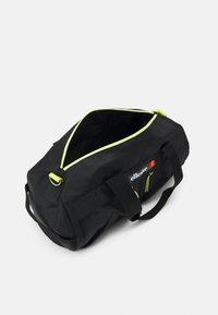 Ellesse - AMANDO BARREL BAG UNISEX - Sportovní taška - black - 2