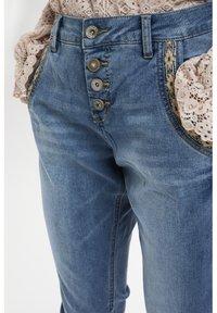 Cream - CRHOLLY - Slim fit jeans - light blue denim - 3