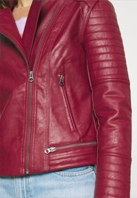 Pepe Jeans - LENNA - Faux leather jacket - currant - 5
