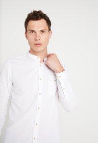 Burton Menswear London - GRANDAD - Shirt - white - 3