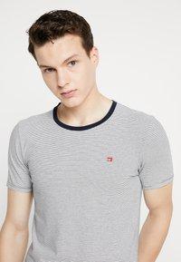 Scotch & Soda - STRIPE REPEAT - T-shirt print - white - 3