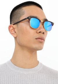 Ray-Ban - CLUBMASTER - Sunglasses - brown/blue - 1
