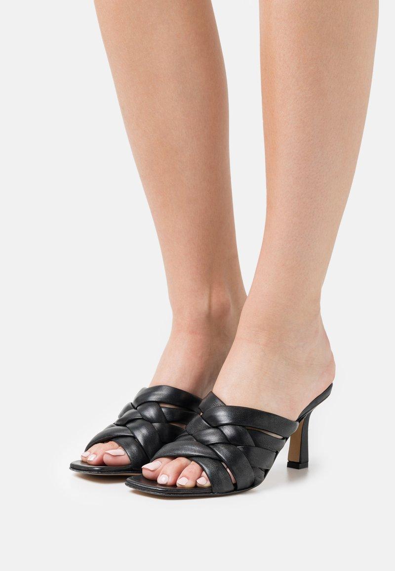 Minelli - Pantofle na podpatku - noir